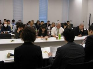 行政、各事業団体との交渉の様子